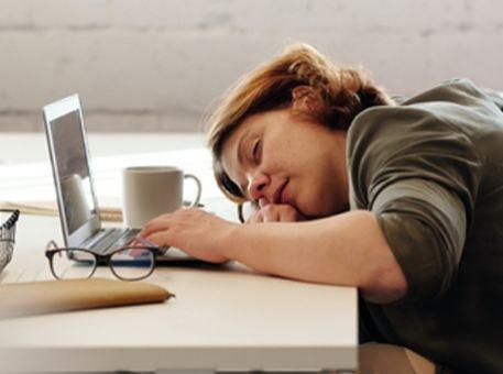 Comment rester concentré pendant les réunions en ligne (pas toujours facile…)