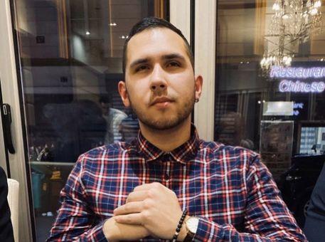Le portrait d'Ilya, Office Manager chez AOS !