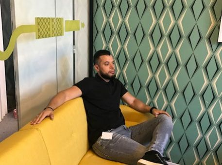 Office Manager chez Deezer : l'interview de Mouhamed  !